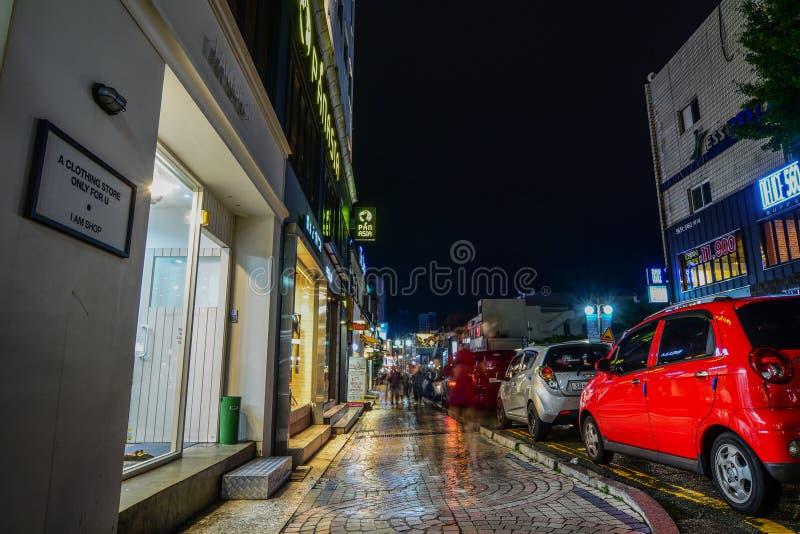 Ночная жизнь в улице Nampo-Дуна стоковое изображение rf