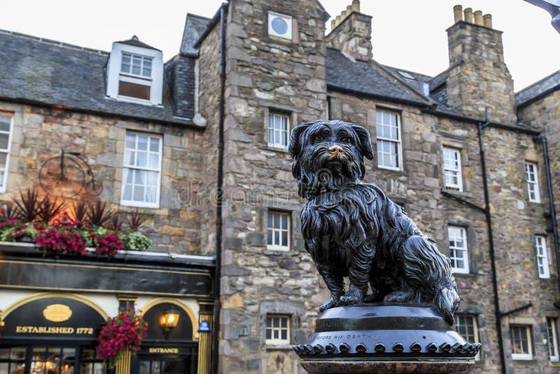 Памятник для того чтобы выследить Greyfriars Бобби, Эдинбург стоковое фото rf