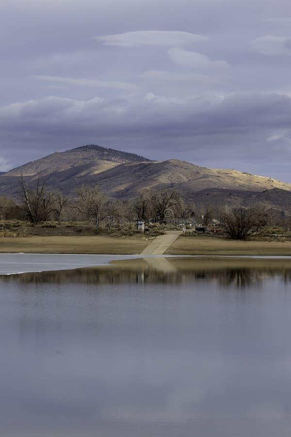 Пандус шлюпки на резервуаре Loveland Колорадо Lon Hagler стоковое изображение