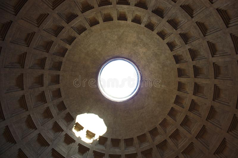 Пантеон Рим крыша внутри вид снизу, Pantheon Rome roof inside view from below stock images