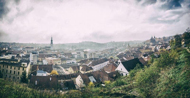 Панорама городка Trebic, чехословакского, сетноого-аналогов фильтра стоковое фото rf