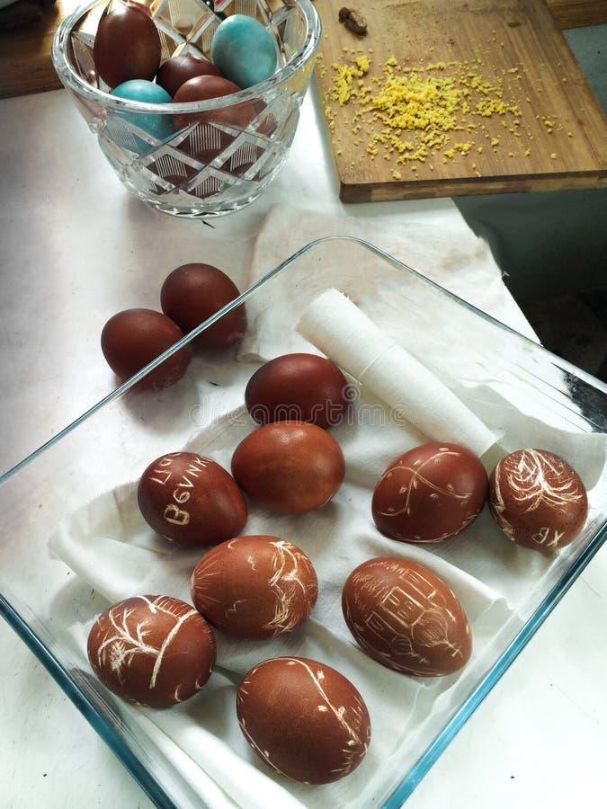 Пасхальные яйца в стеклоизделии стоковые фотографии rf