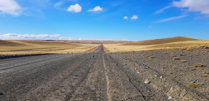 Пересечение дорог Патагонии Аргентины типичный ландшафт, Патагония, Аргентина стоковые изображения