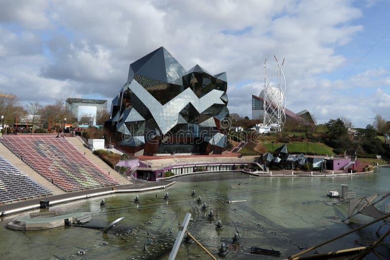 Пуатье, новый Аквитания/Франция - 03-02-2019: Futuroscope или Parc du Futuroscope французский тематический парк основанный на стоковое фото