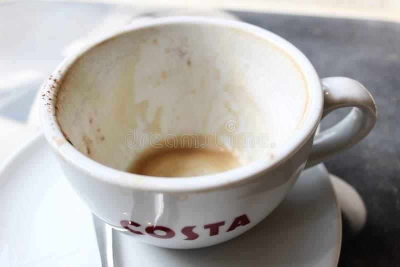 Пустая кружка кофе Косты стоковое фото