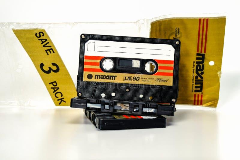 ПРАГА, ЧЕХИЯ - 29-ОЕ НОЯБРЯ 2018: Аудио компактная сентенция LN 90 кассеты 3 Плохая магнитофонная кассета на белой предпосылке стоковые изображения