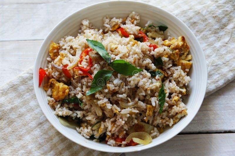 Пряные жареные рисы, стиль непальца стоковые фото