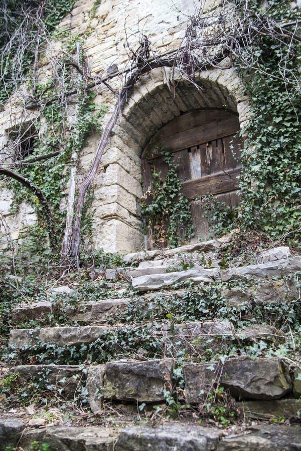 покинутая дом входа стоковые изображения