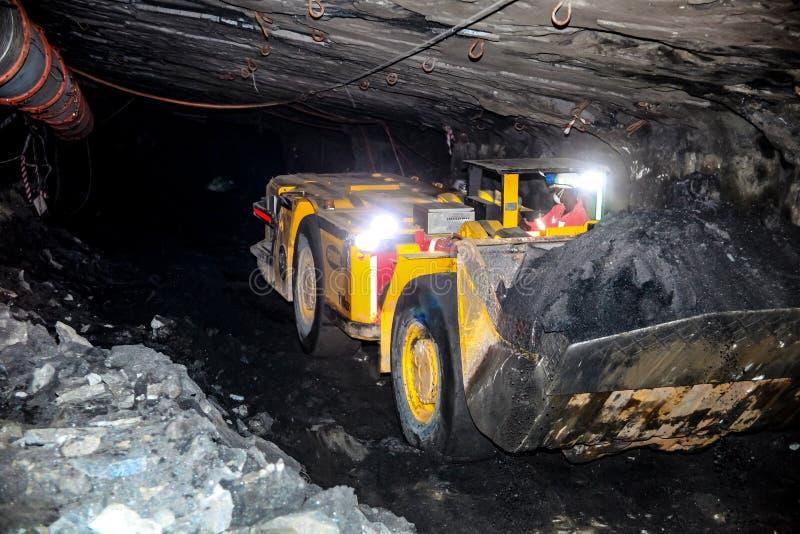Подземное минирование и оборудование палладиума платины стоковые фотографии rf