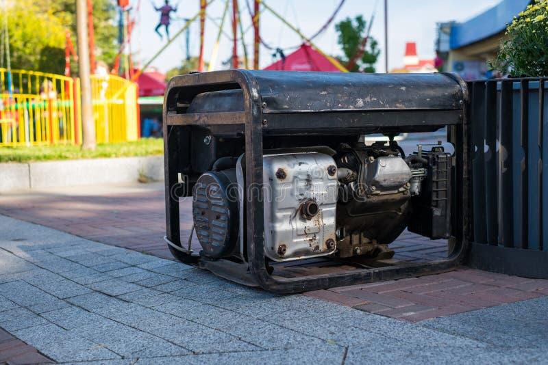 Портативный генератор для аварийного электричества во время различных событий стоковое фото