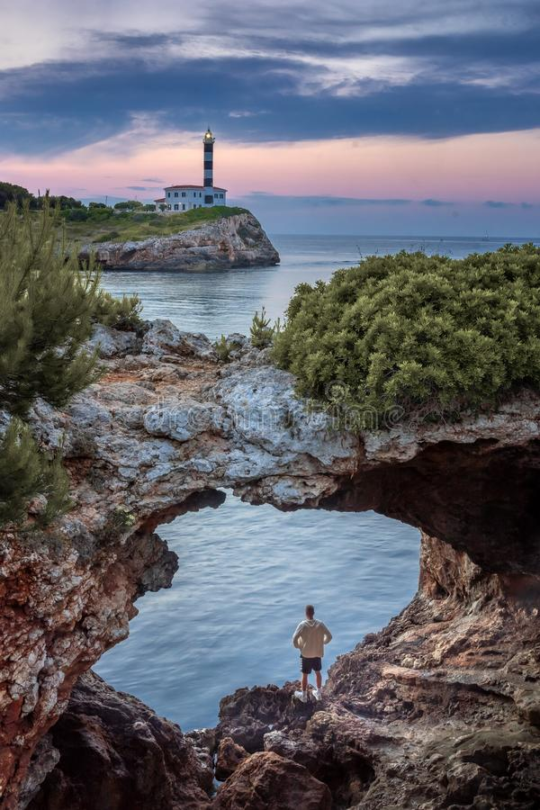 Порту Colom, mallorca, естественная арка стоковая фотография rf