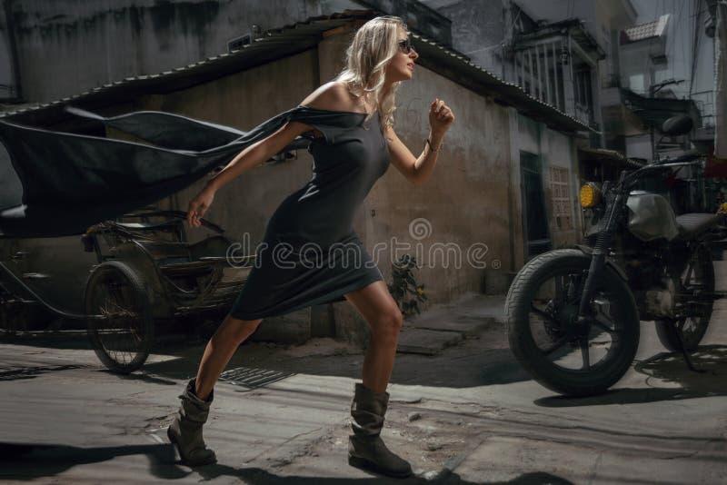 Портрет женщины городской стоковые изображения rf