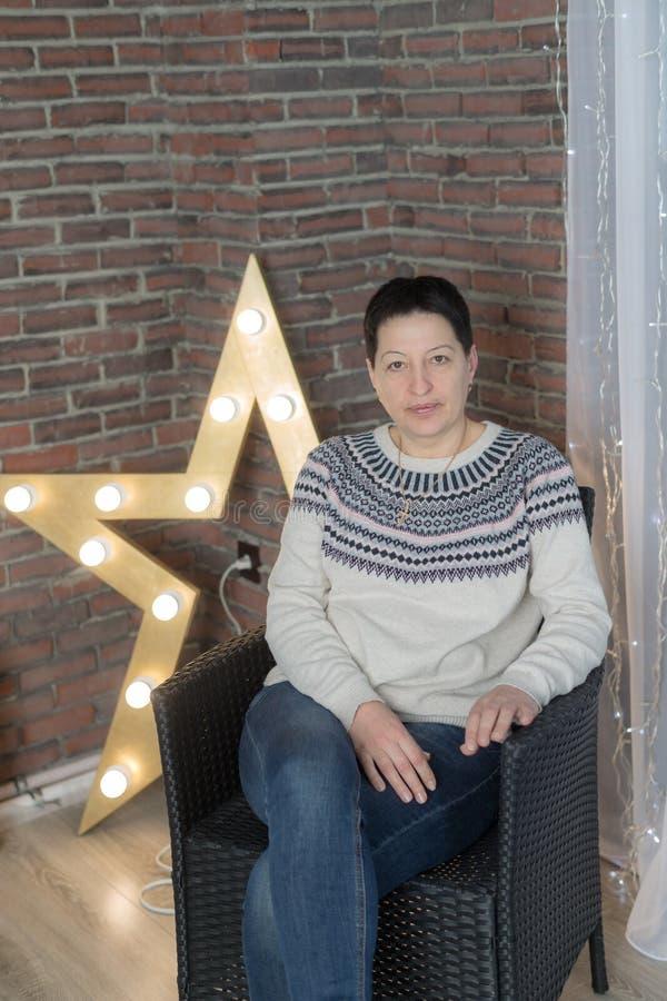 Портрет студии женщины стоковое фото