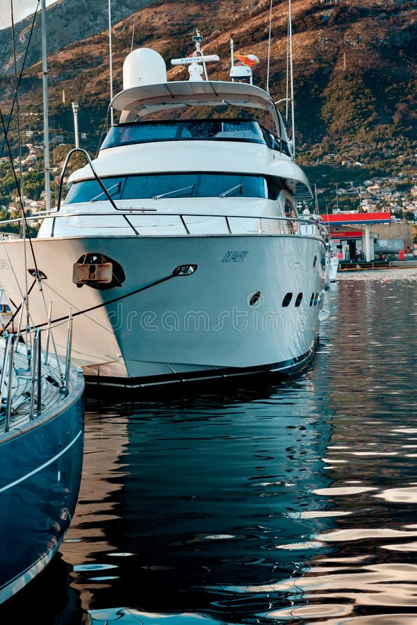 Ð在码头的¡ utterboat 库存照片