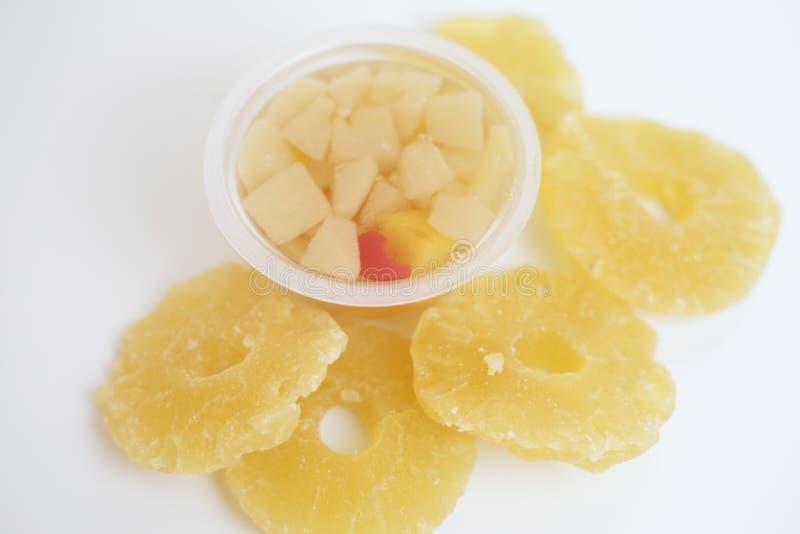 Ð 杯子用蜜饯和干果子 菠萝和蜜饯 免版税库存照片