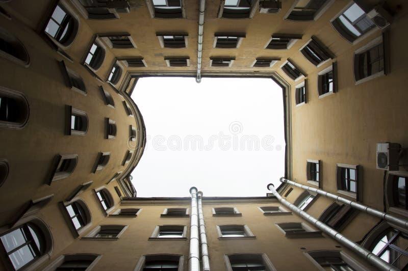 Ð ¡ ourtyard, Αγία Πετρούπολη στοκ εικόνες