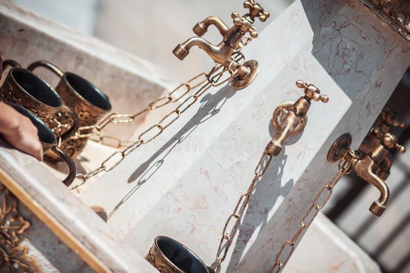 Ð ¡ UPS voor handwas dichtbij de loeiende muur royalty-vrije stock fotografie