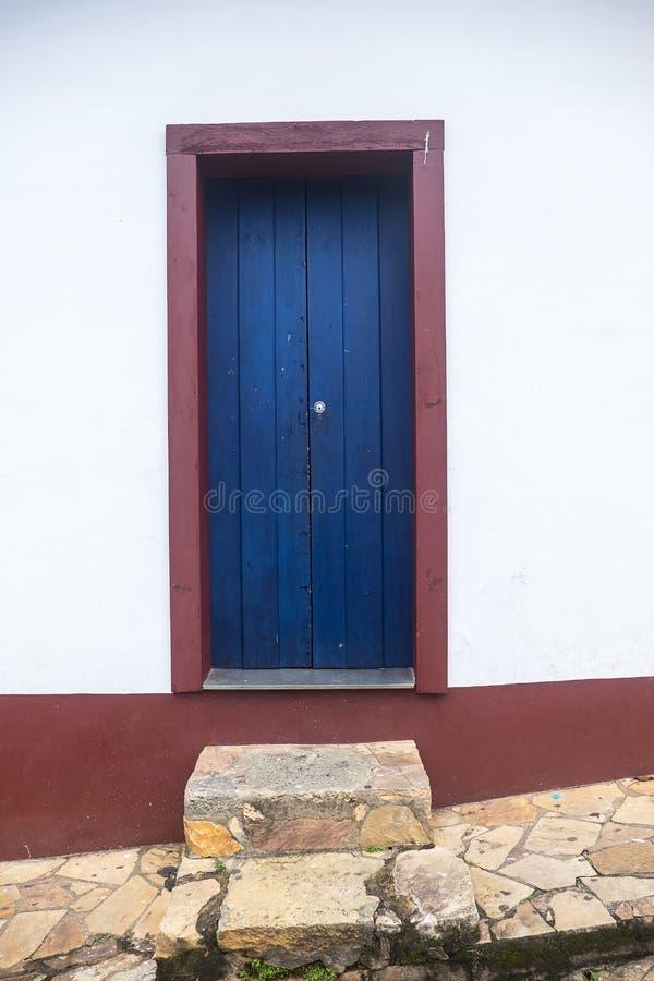 Дверь в Tiradentes - минах Gerais - Бразилии стоковое фото rf