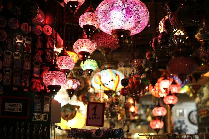 Декоративные лампы в гранд-базаре Ä°stanbul стоковые фото