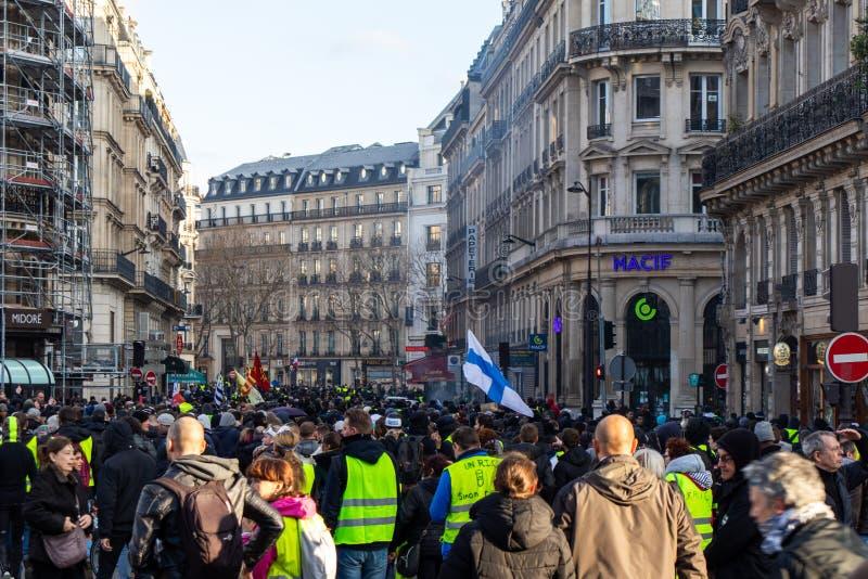 """Демонстрация """"Gilets Jaunes в Париже, Франции стоковые фотографии rf"""