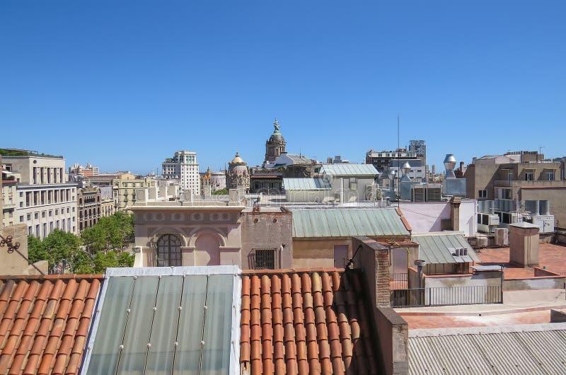 Ð'иРР½ а крыши Ð'Ð°Ñ€Ñ  ÐΜДР¾ Ð ½ Ñ‹ 在巴塞罗那屋顶的看法  库存图片