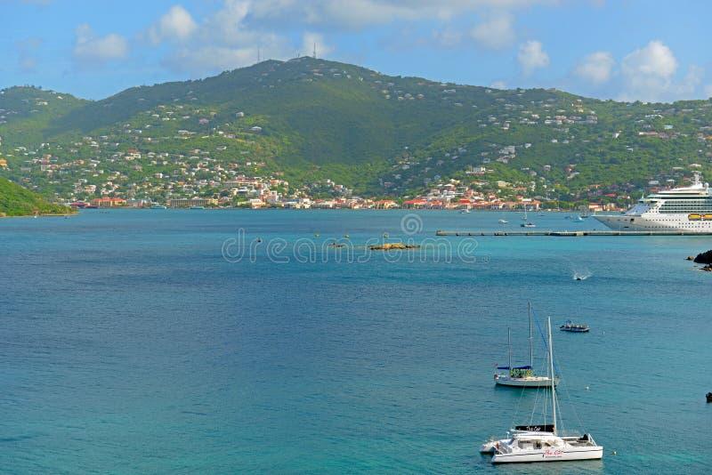 Длинный залив на острове St. Thomas, США Виргинских островах, США стоковые изображения rf
