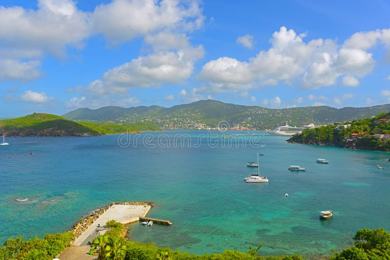 Длинный залив на острове St. Thomas, США Виргинских островах, США стоковое фото