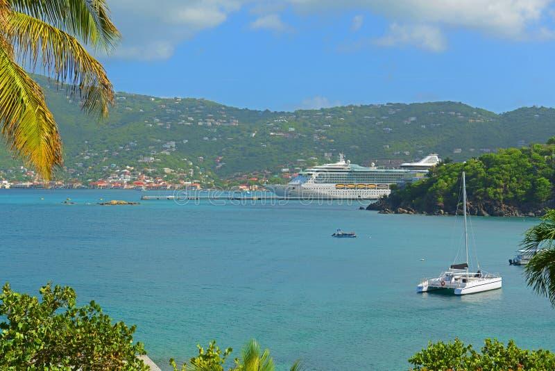 Длинный залив на острове St. Thomas, США Виргинских островах, США стоковое изображение rf