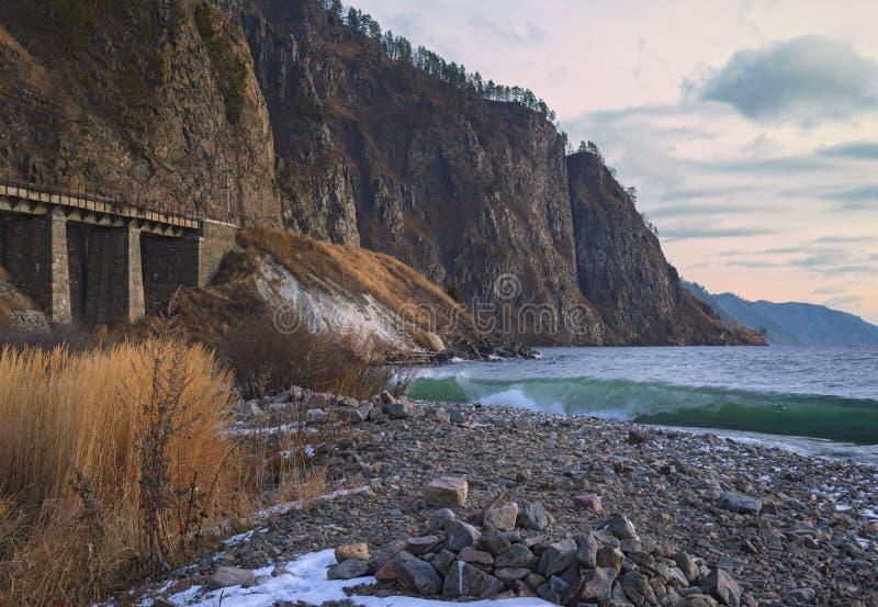 Spoorweg Ð ¡ ircum-Baikal in November royalty-vrije stock foto