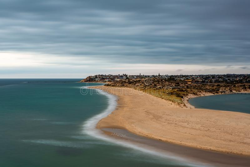 Долгая выдержка на гаван пляже южной Австралии Noarlunga 10-ого марта 2019 стоковое изображение rf