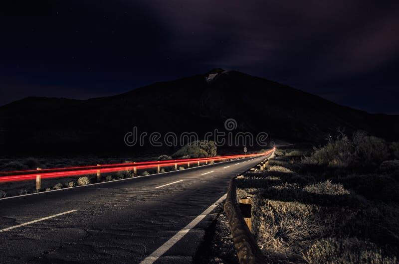 Долгая выдержка длинного пути к вулкану Teide стоковые изображения