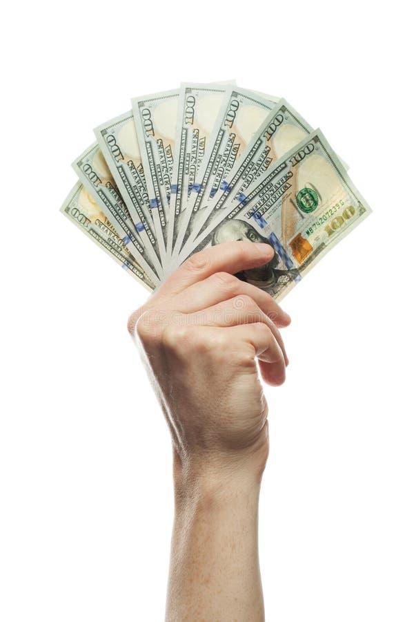 100 долларов счетов в руке человека изолированной на белизне Рука вверх с американцем 100 наличных денег долларов примечания дене стоковое изображение rf