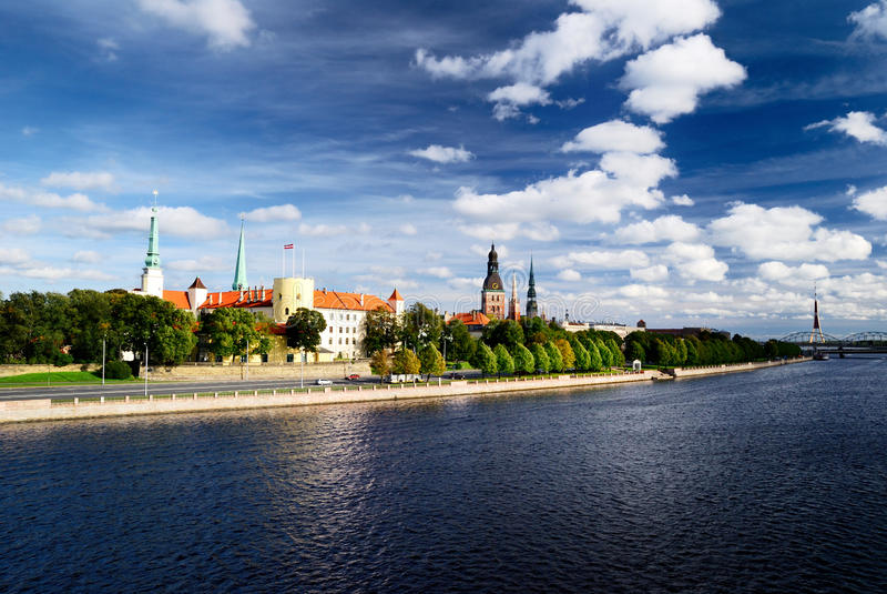 Ðeneral beskådar på Riga arkivfoto