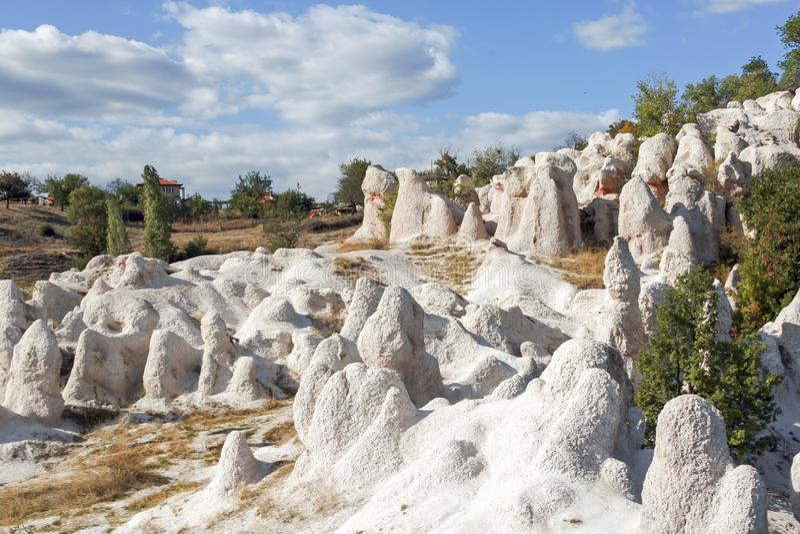 Свадьба горной породы каменная около городка Kardzhali, Болгарии стоковая фотография