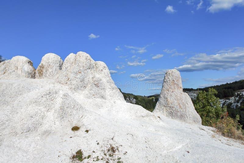 Свадьба горной породы каменная около городка Kardzhali, Болгарии стоковые изображения