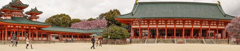Святыня Heian Jingu в Киото, Японии стоковые изображения
