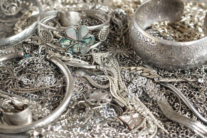 Серебряные ювелирные изделия стоковое изображение rf