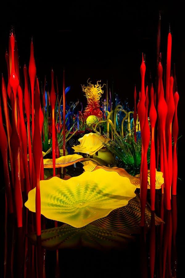 Сиэтл, Вашингтон, США - 10 02 2018: Сад Chihuly и стеклянная выставка стоковые изображения rf