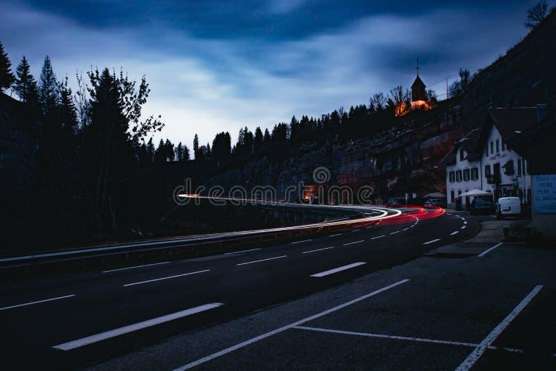 Сиротливая долгая выдержка дороги стоковое изображение
