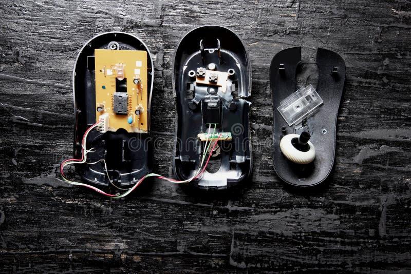 сломленная мышь компьютера стоковые фотографии rf