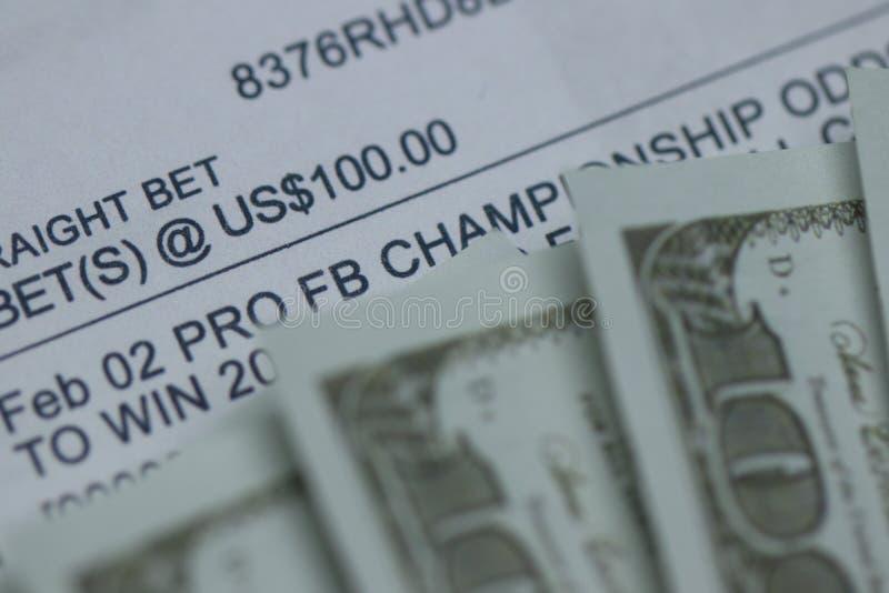Спорт держали пари дальше с наличными деньгами стоковое изображение