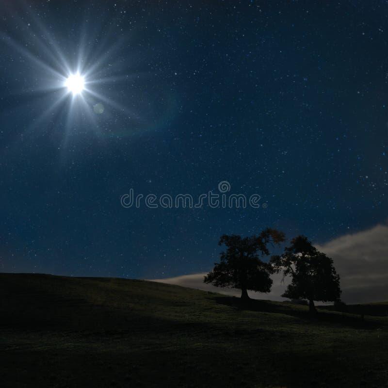 Супер луна в пиковом районе стоковая фотография