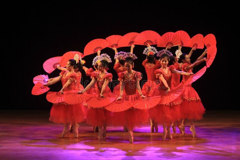 Сурабая Индонезия, 29-ое июля 2016 представления танца балета стоковое фото