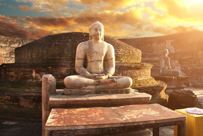 Статуя размышляя Будды, Vatadage, Polonnaruwa, Шри-Ланка стоковые изображения