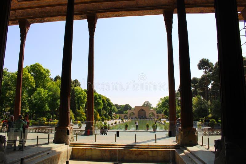 Столбцы дворца Chehel Sotoun, Isfahan, Ирана стоковое изображение rf