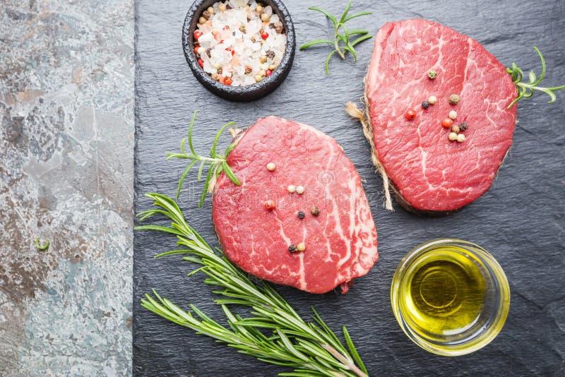 Сырцовый мраморизованный стейк мяса стоковые фотографии rf