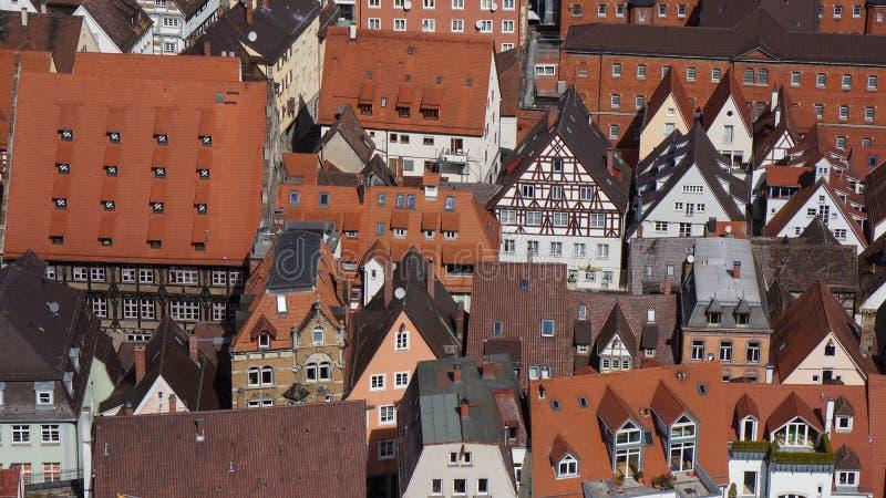Средневековые дома тимберса городского центра половинные в ulm стоковые изображения
