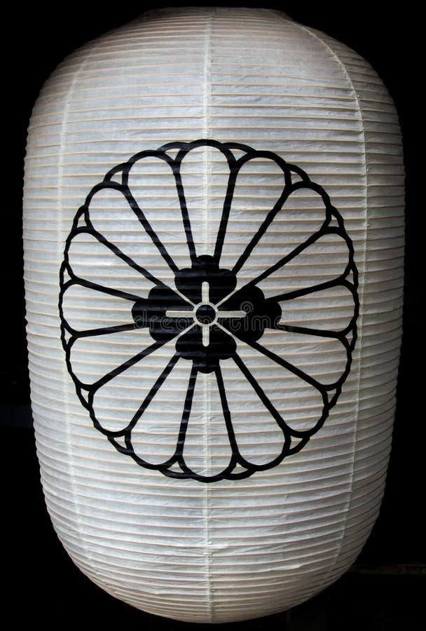 Японский бумажный фонарик с хризантемой стоковые изображения rf
