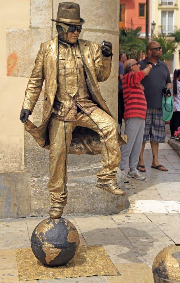Уличный исполнитель в испанском городе Валенсия стоковое изображение