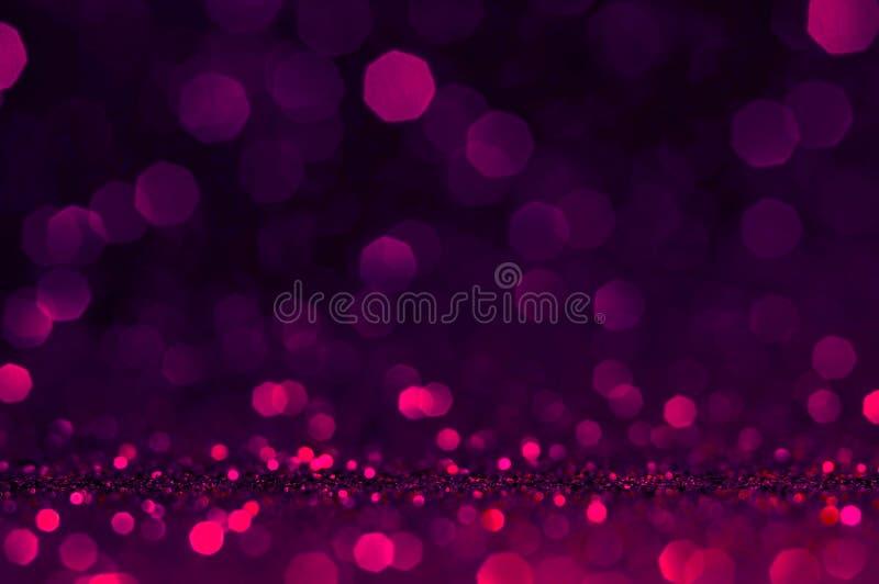 Ультрафиолетовый луч мягкого bokeh конспекта изображения темный, предпосылка света pinkwith Пурпурная, черная элегантность света  стоковые изображения rf